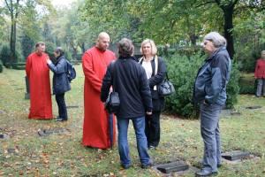 Gedenken auf dem Neuen -Zwölf-Apostel-Kirchhof